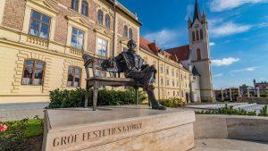 festetics szobor fő tér keszthelyen
